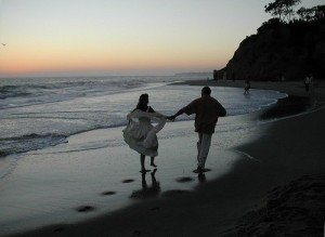 nikon_beach_romantic_64845_l