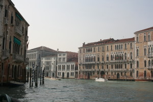 &lt;br /&gt;&lt;br /&gt;&lt;br /&gt;<br /> Not only Holland, but also the most beautiful city in the world is threatened by water: Venice